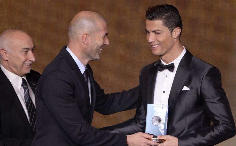 Zidane chiama Ronaldo: 'Non andare via dal Real'