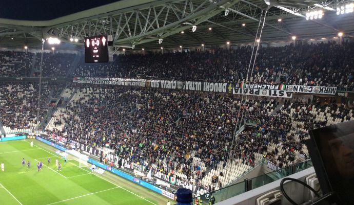 Milan, che sfottò dagli spalti dello Stadium: il coro