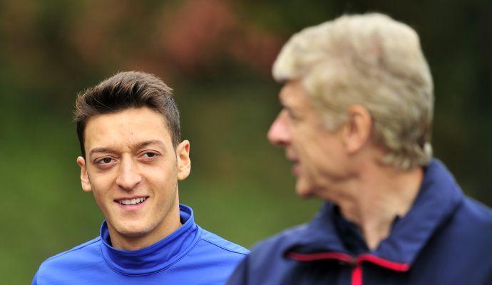 Arsenal, Wenger apre: 'Sanchez e Ozil? Possono partire a gennaio'