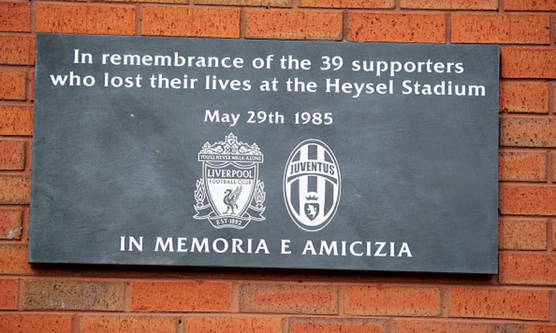 Anche il Liverpool ricorda le vittime dell'Heysel: tutti i messaggi
