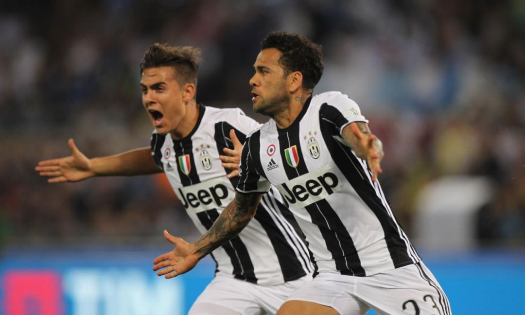 Anche Dani Alves scrive a Buffon: 'Solo tu puoi far ripartire l'Italia' FOTO