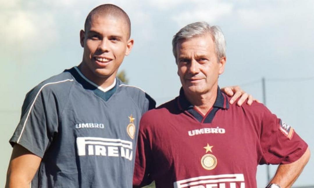I tifosi juventini ricordano Simoni: 'Non conta la maglia, ora le sfide con l'Inter saranno diverse'