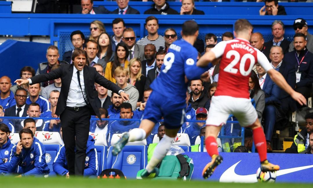 Chelsea, altro rosso contro l'Arsenal, Conte ironico: 'E' strano...'