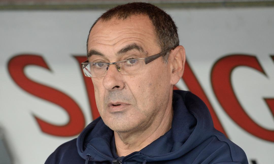 Sarri al Napoli: 'Non guardate la Juve, tanto vince. Io criticato per ogni cosa'
