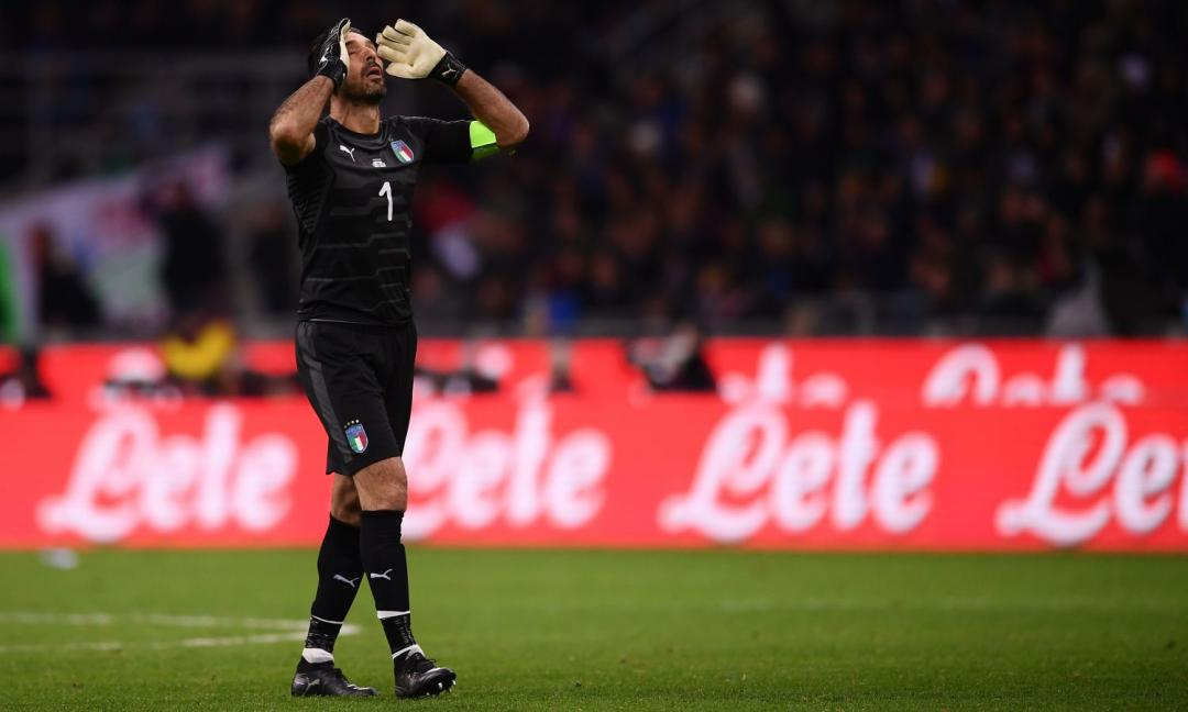 Buffon dice addio all'Italia: il saluto degli altri campioni GALLERY