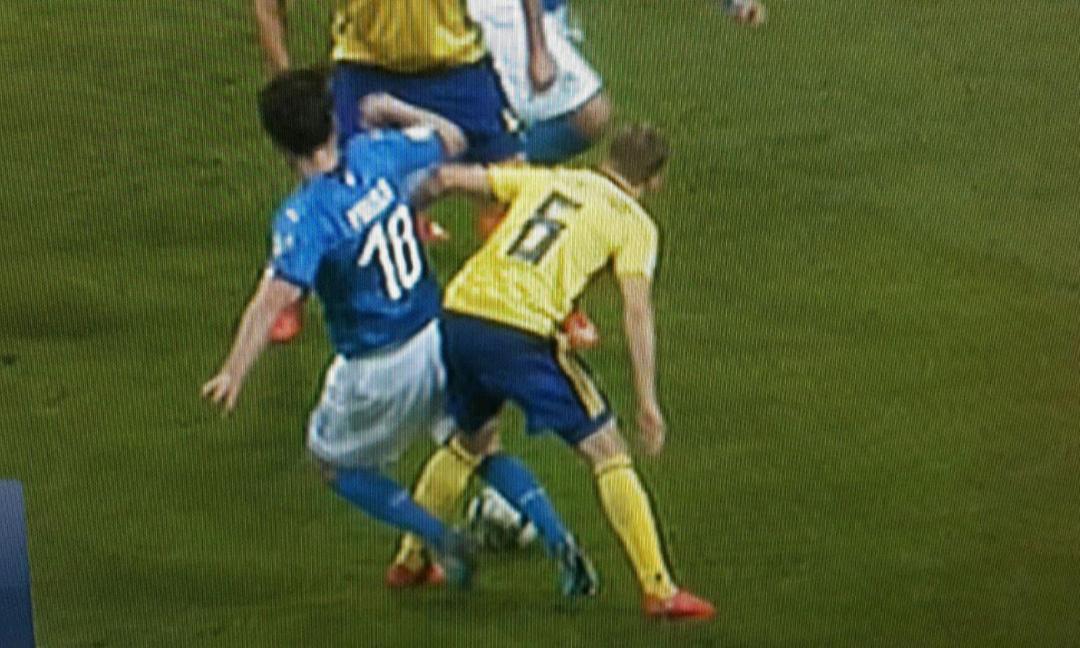 Italia-Svezia, la MOVIOLA LIVE: 4 rigori non visti, dubbio nel finale