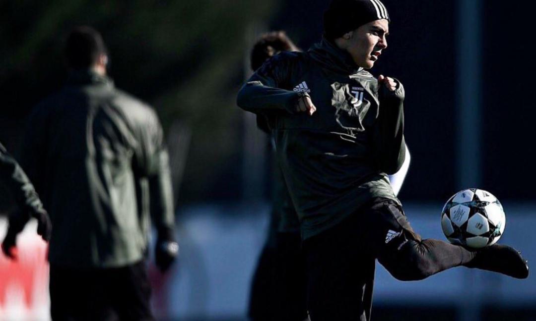 Dybala e Bernardeschi, show in allenamento. E Barzagli se la ride FOTO