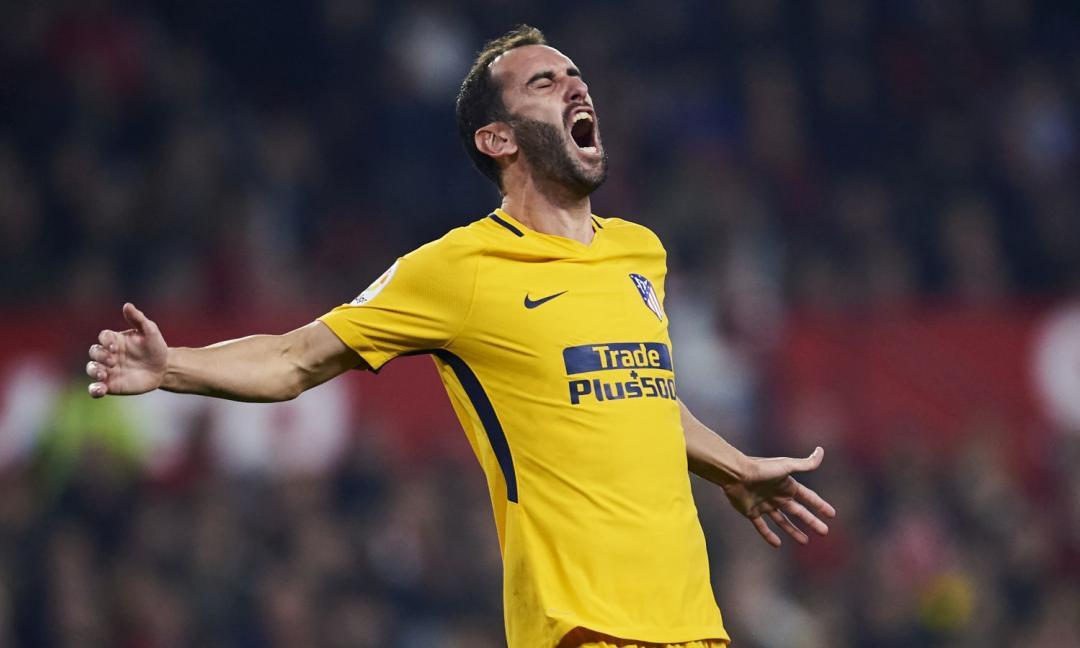Dalla Spagna: offerta Juve per Godin, arriva la risposta del difensore