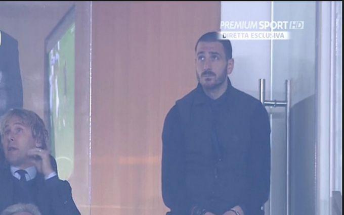 Anche il Milan mette Bonucci sullo sgabello e Buffon lo chiama...