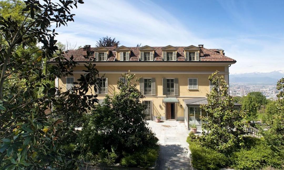 Un milione e mezzo di euro, la nuova villa di Ronaldo sul mare è pazzesca GALLERY