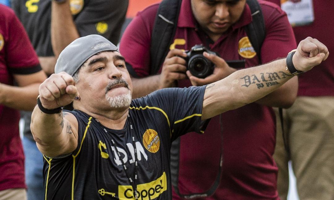 Maradona durissimo: 'Messi? Non è un leader, va in bagno 20 volte...'