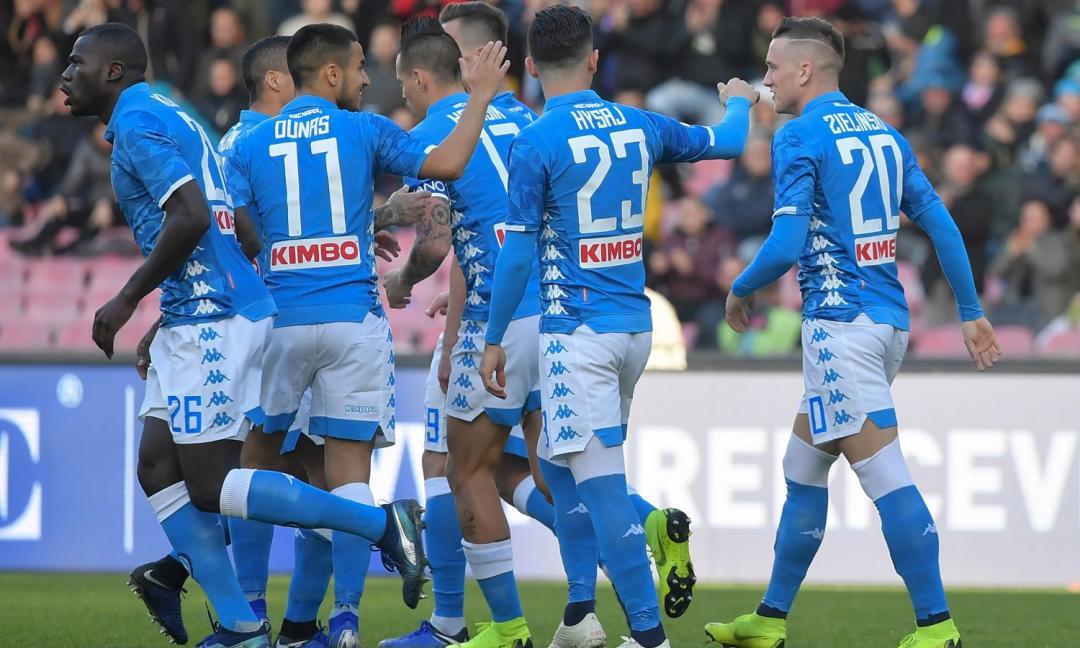 Il Napoli torna a -8 dalla Juve: poker al Frosinone!