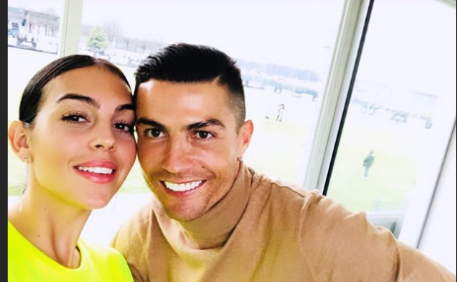 Cristiano Ronaldo e Georgina lanciano un nuovo profumo