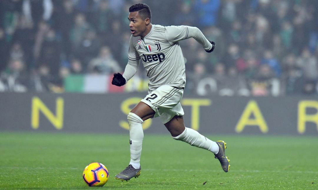 La Juve deve vendere: anche Alex Sandro in uscita, c'è il PSG