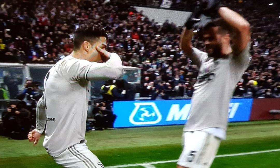 Ronaldo e Dybala, ecco la 'Ssssiuuu-Mask' FOTO