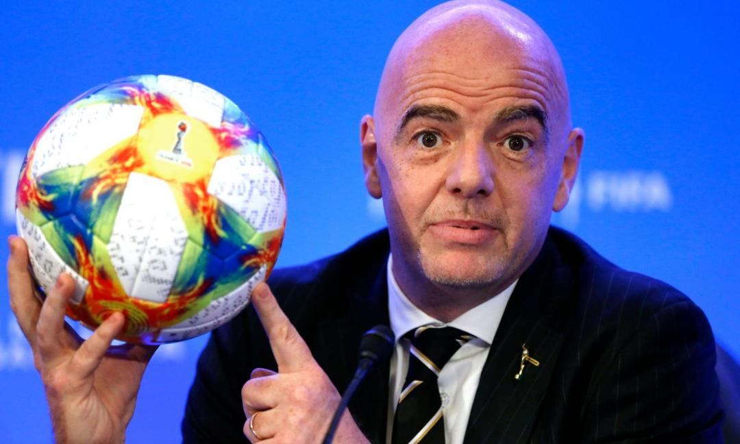 La FIFA risponde alla Superlega: 2 tempi da 30', cambi illimitati e molto altro. Ecco come il calcio potrebbe essere rivoluzionato