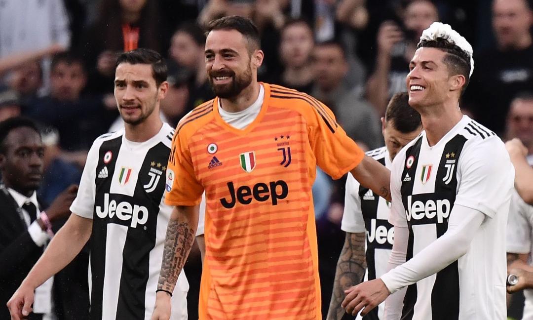 Pinsoglio si rifà i capelli nella clinica di Ronaldo: il messaggio di CR7