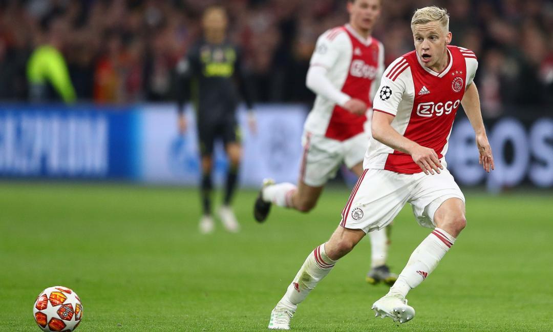 Van de Beek: 'De Jong? Spero sia in forma per la Juve'