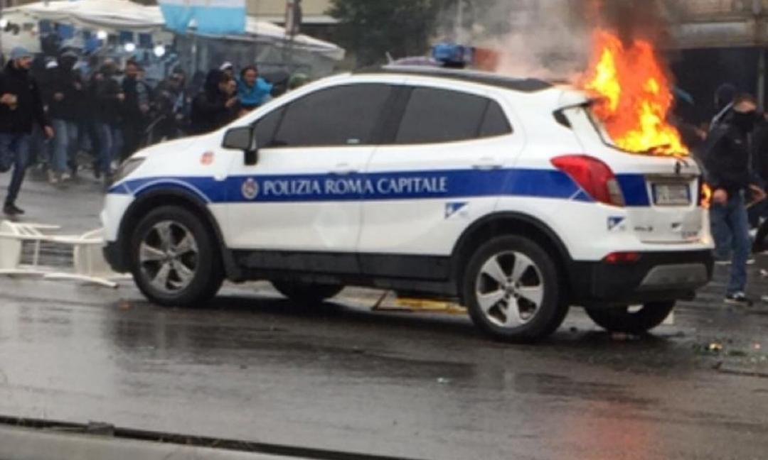 Finale Coppa Italia, è tensione: salta in aria un'auto della polizia municipale