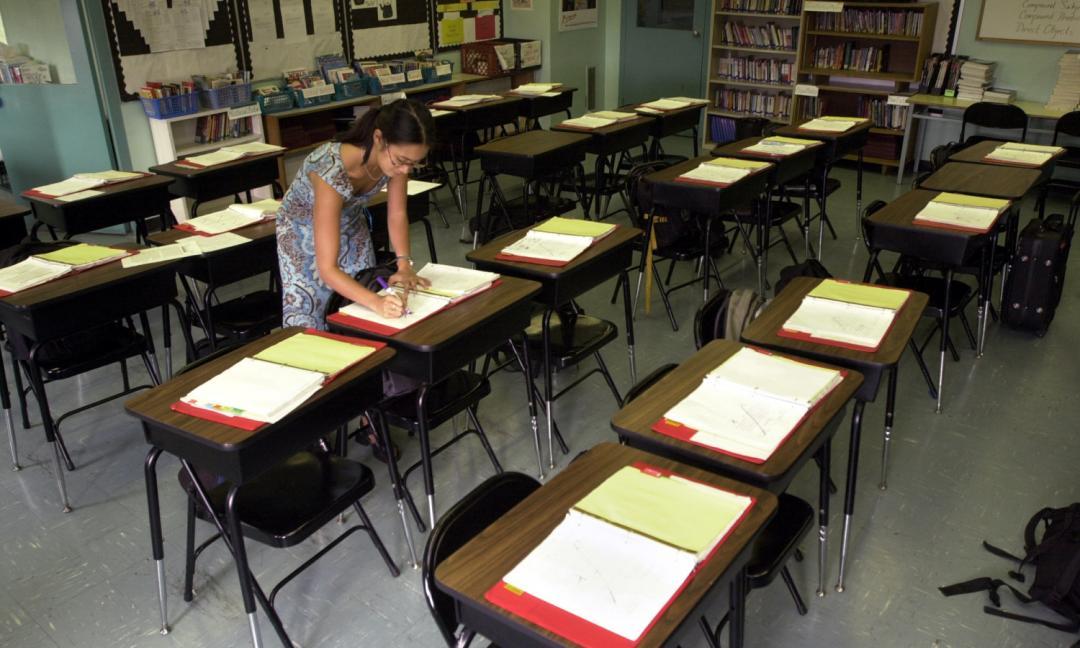 Tutti promossi a scuola: niente esame di terza media, la maturità solo orale in via telematica
