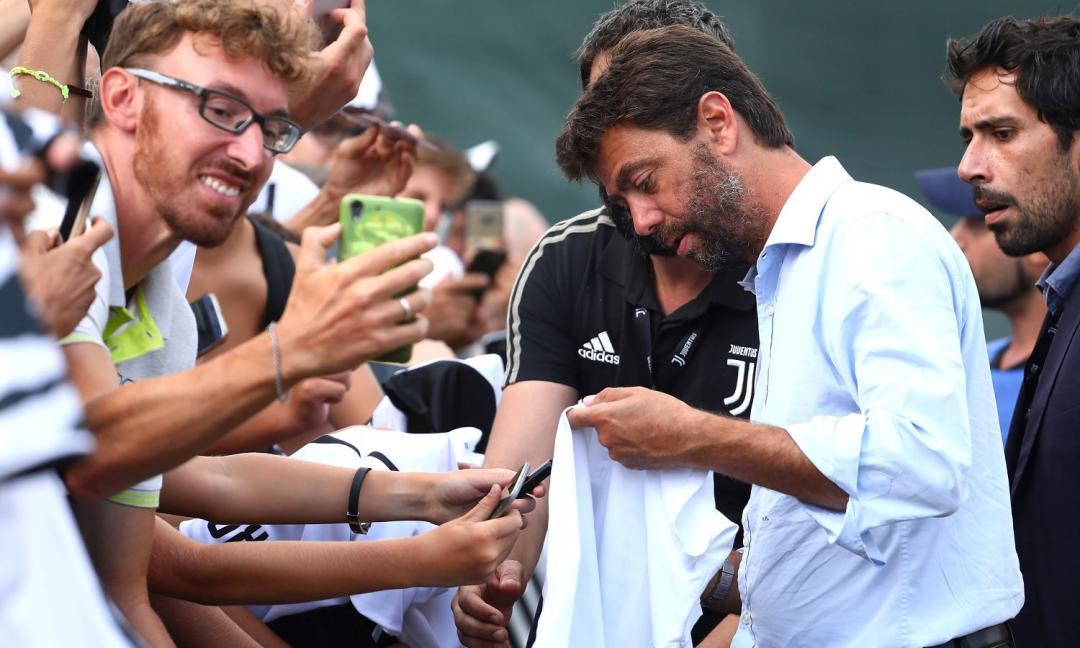 Juve, i tifosi ad Agnelli: 'Portaci Icardi'