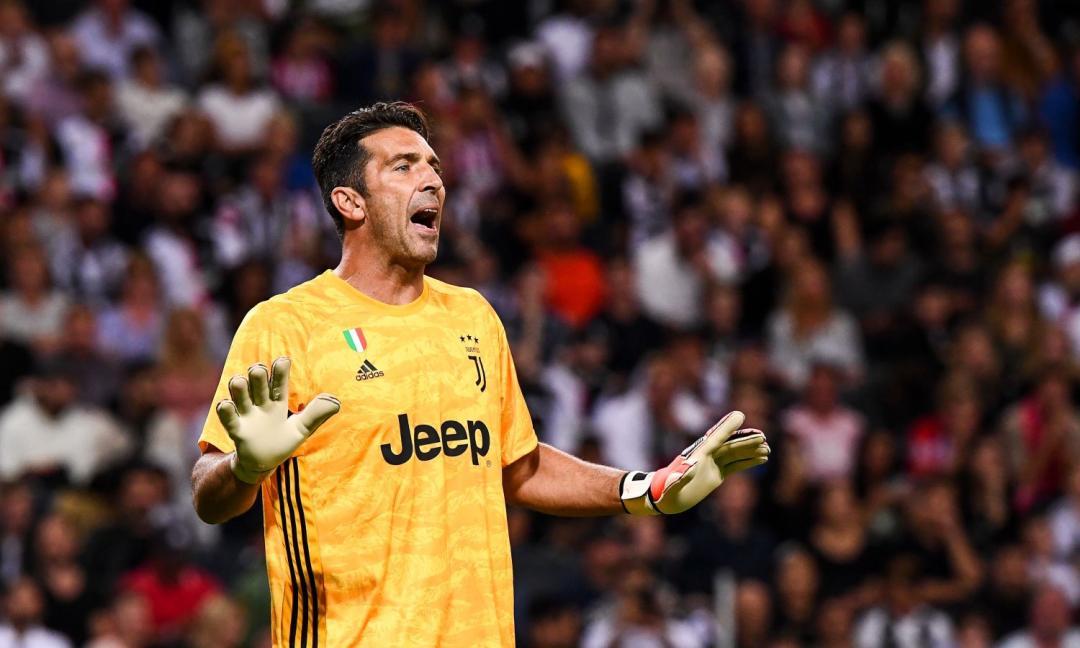 Sassuolo, il nuovo portiere Rossi: 'Mi ispiro a Buffon, anche se...'