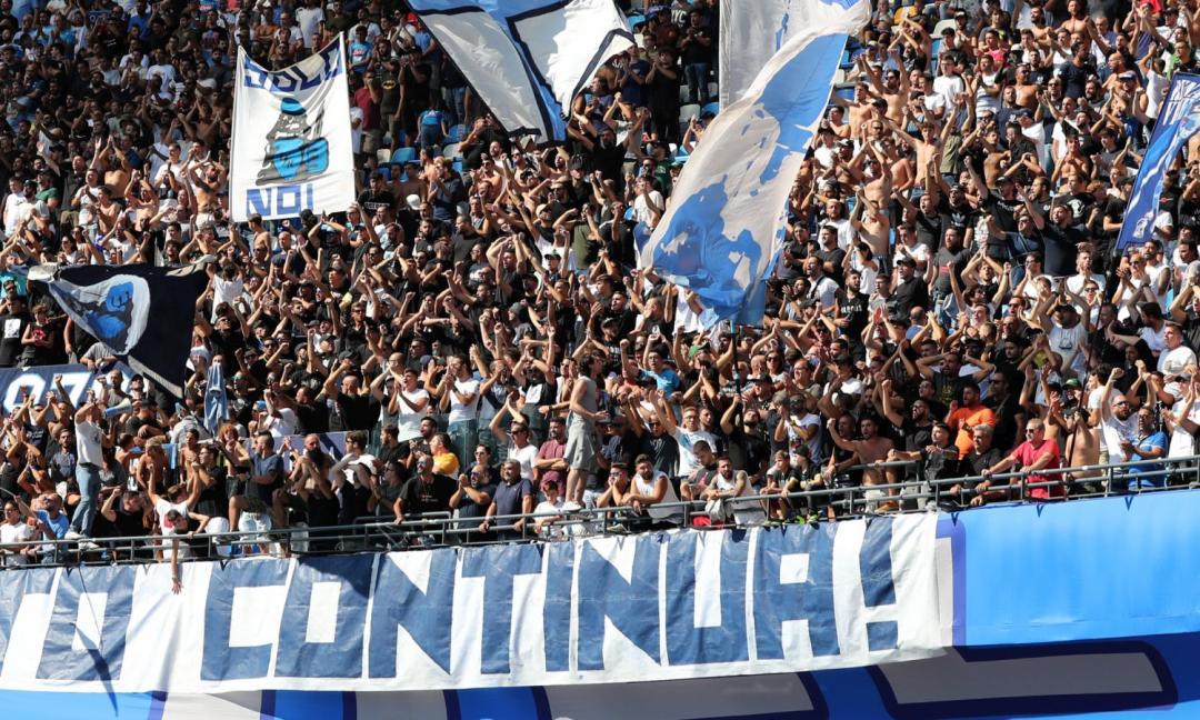 Napoli, tifosi contro il pullman al San Paolo: 'Vergogna!' VIDEO
