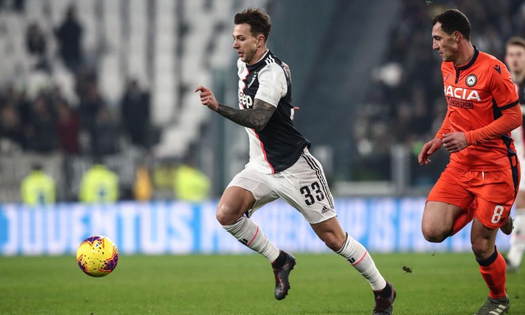 Scambio con Rakitic, la Juve incontra l'entourage di Bernardeschi: le ultime