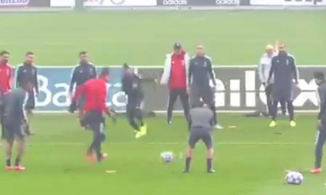 Ronaldo 'umiliato' da Cuadrado in allenamento: che magia VIDEO