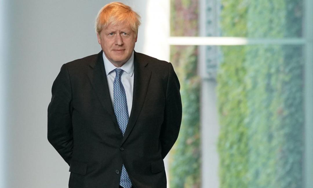 'Boris Johnson in terapia intensiva', ma è una fake news. Bufera sul tweet Rai