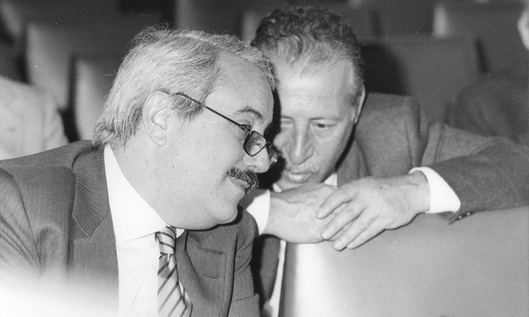 Mattarella: 'La mafia prospera nell'ombra, Falcone e Borsellino le luci'