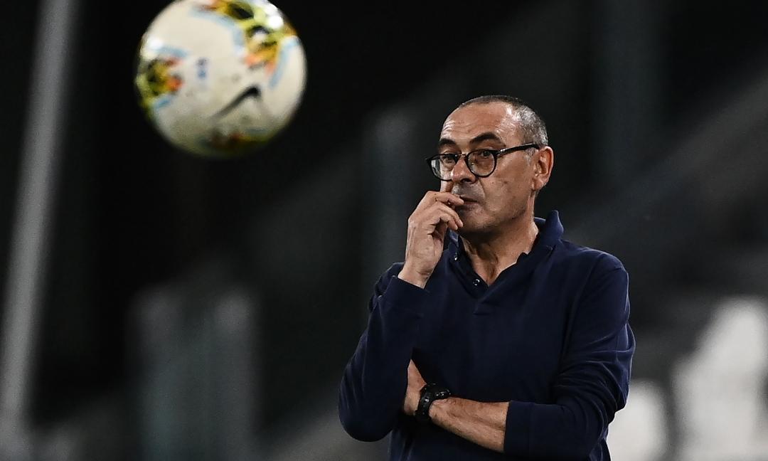 Sarri, emergono retroscena sull'addio: gelo con Chiellini, delusione Douglas e le difficoltà con Paratici. Dopo Cagliari...