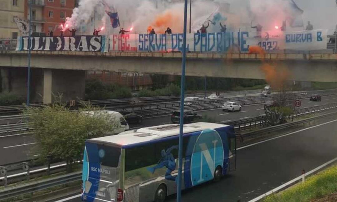 La protesta dei tifosi del Napoli dopo il 3-0 della Juve: 'Figc serva del padrone!' FOTO