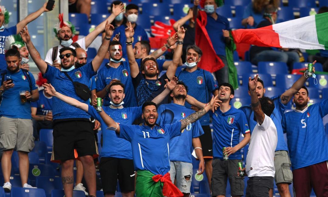 Turchia-Italia, i tifosi tornano allo stadio, l'Olimpico si colora d'azzurro: le FOTO