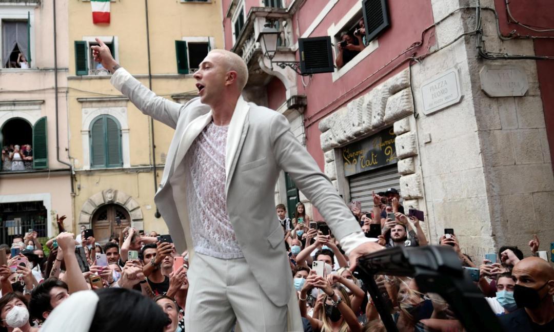 Bernardeschi: 'Ho rapito Veronica a Formentera, quel no alla proposta ci ha diviso. Al matrimonio in ritardo, la festa in piazza...'