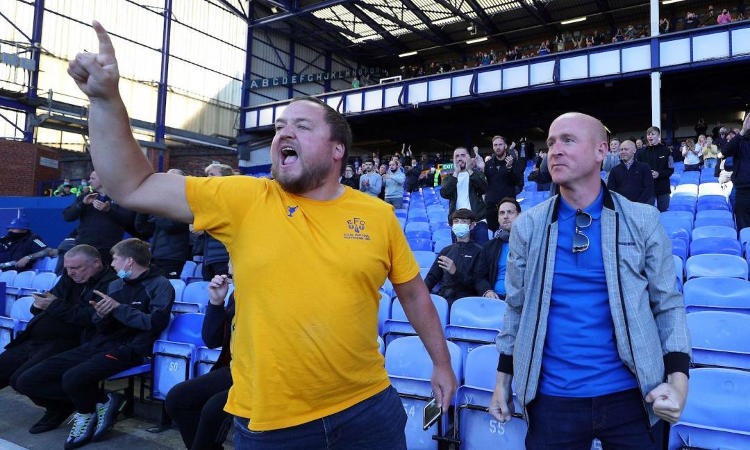 Choc in Premier League, giocatore dell'Everton arrestato per pedofilia